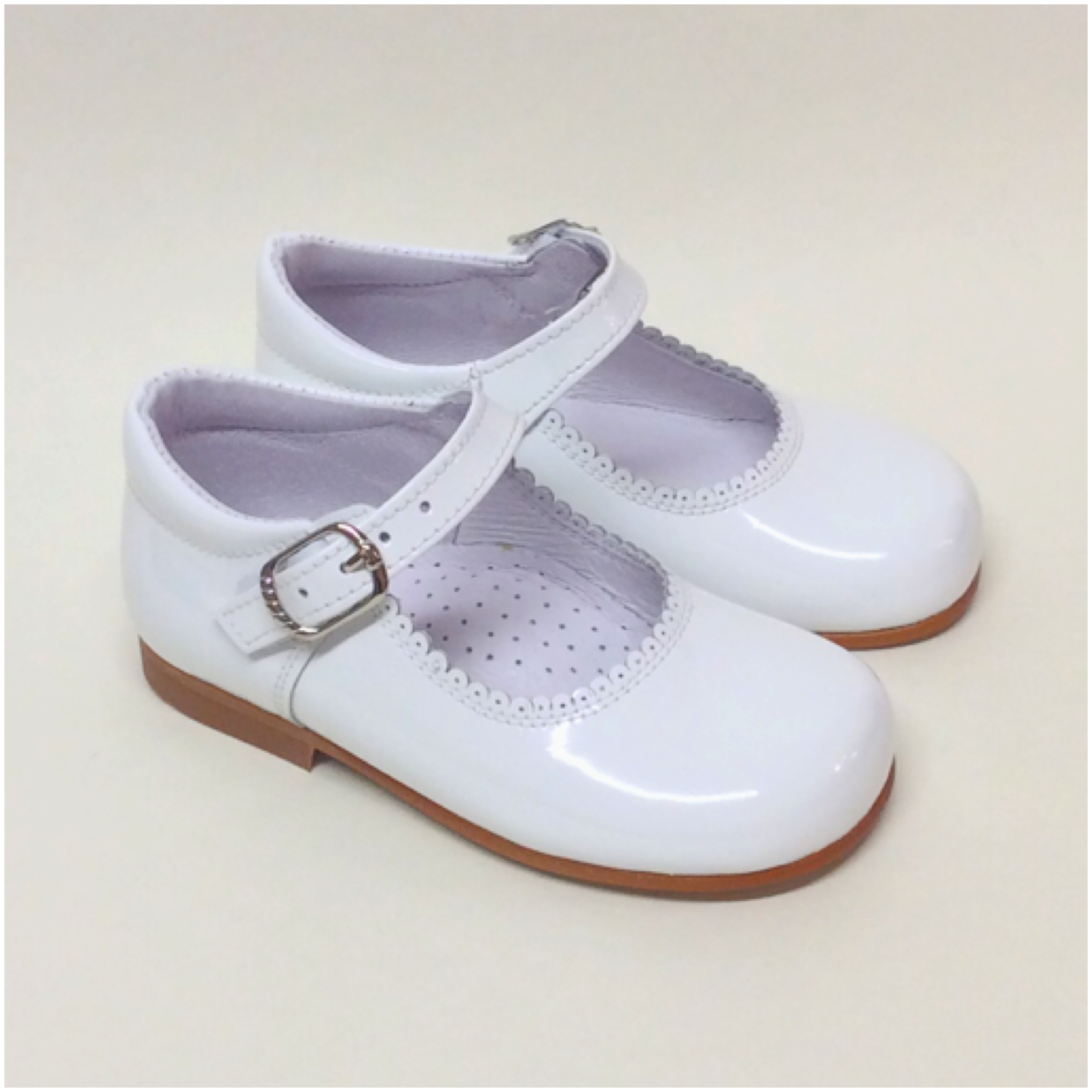 Chantelle Maryjanes With Bow Or Fur, White