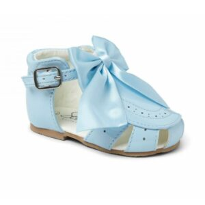 Girls blue sandals